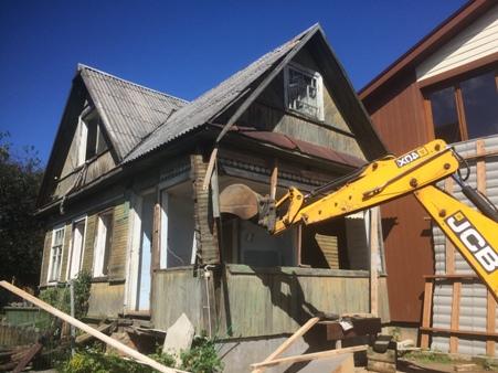 Снести или реконструировать старый дом? 6 советов застройщикам